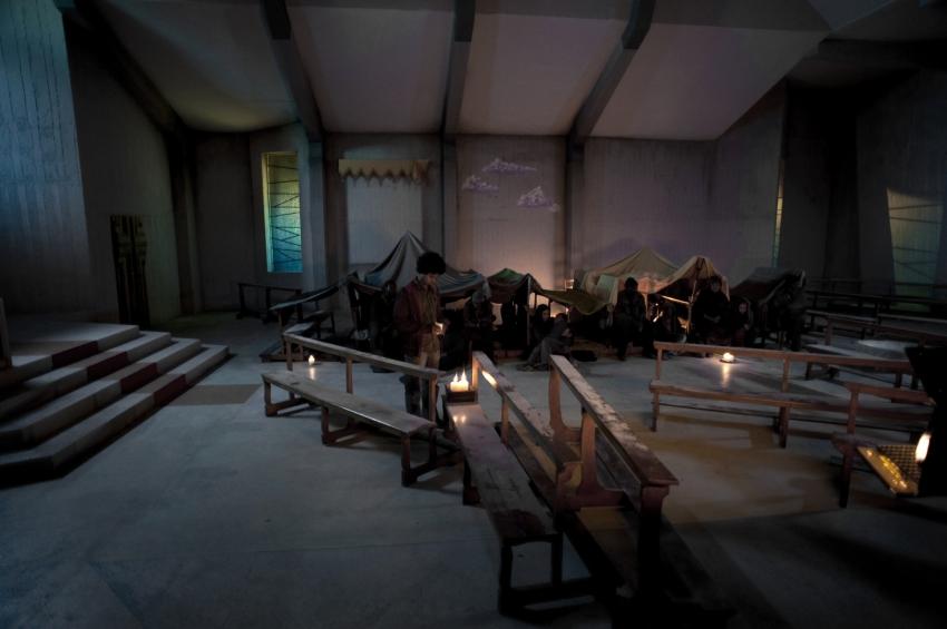 Il villaggio di cartone (2011)