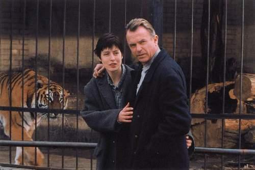 Člověk v zoo (2000)