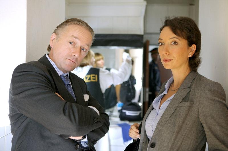 Schnell ermittelt (2009) [TV seriál]