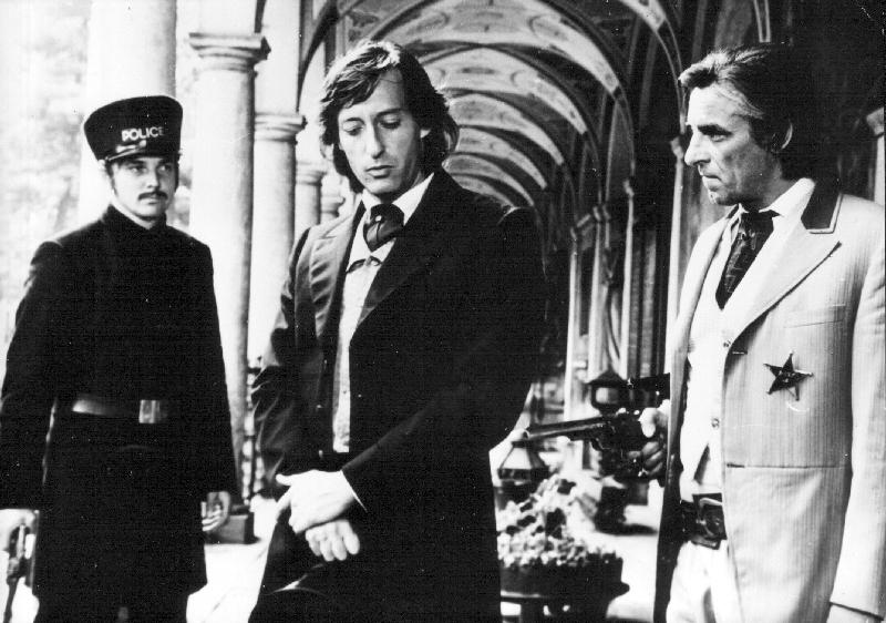 Ozbrojen a velmi nebezpečný (1977)