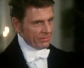 Edward Fox jako lord Wootham