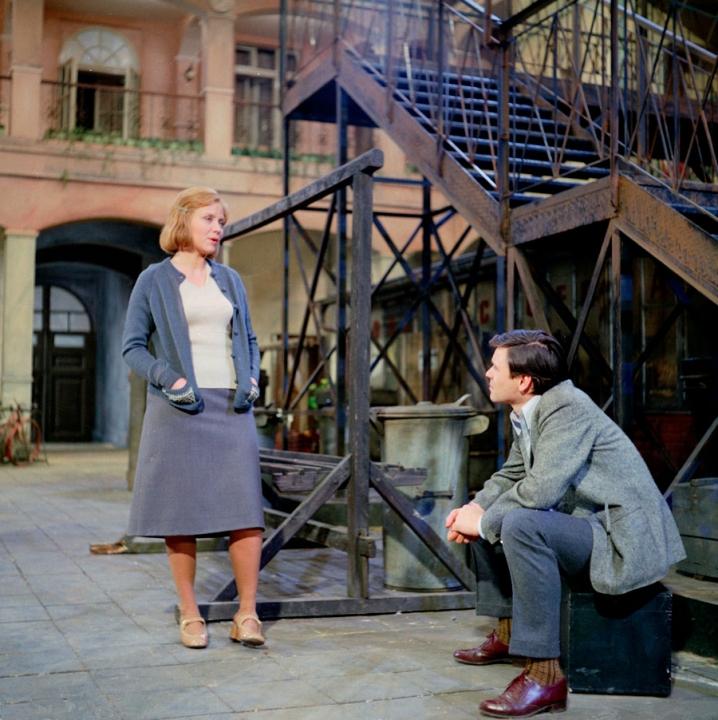 Byl jednou jeden dům (1974) [TV seriál]
