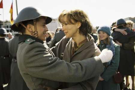 Prolomit zeď (2008) [TV film]