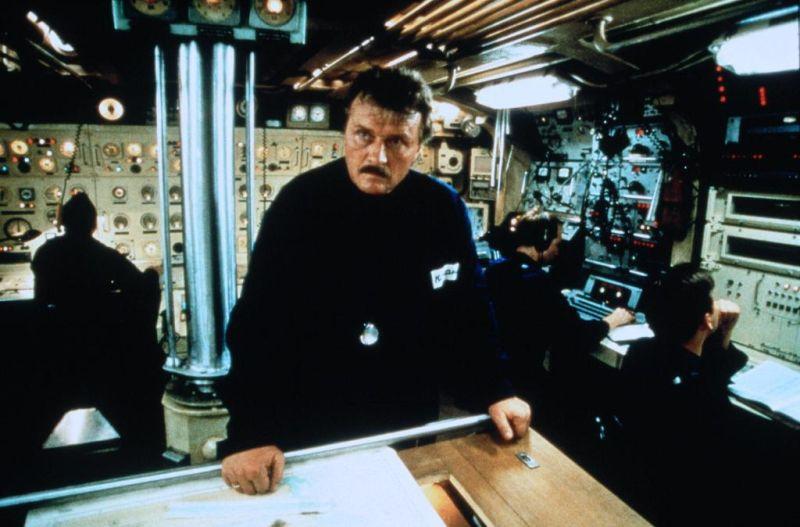V nepřátelských vodách (1997) [TV film]