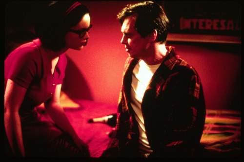 Přízračný svět (2001)