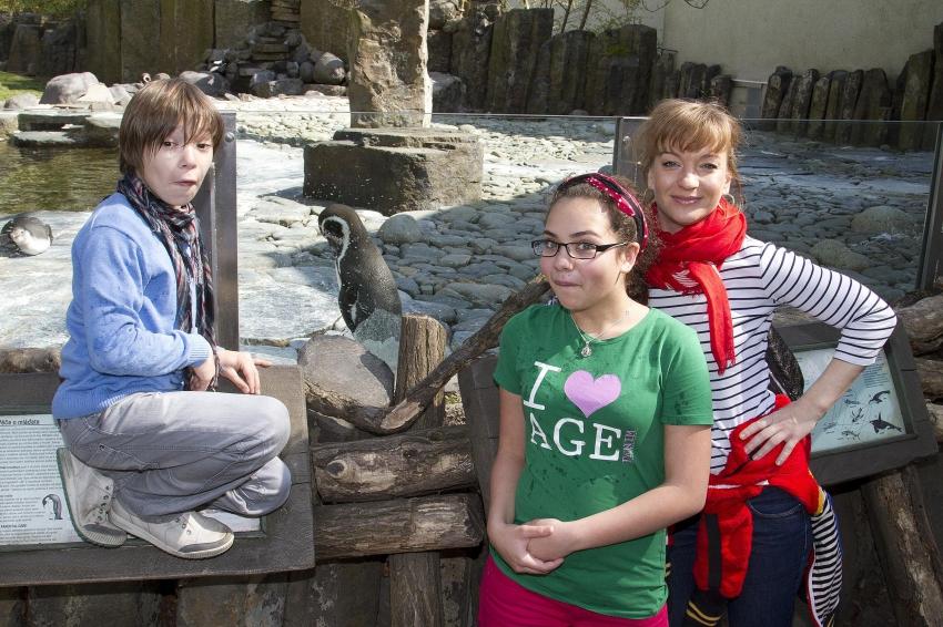 11. dubna zamířila rodina Musilových z oblíbeného sitcomu televize Nova Helena do pražské ZOO