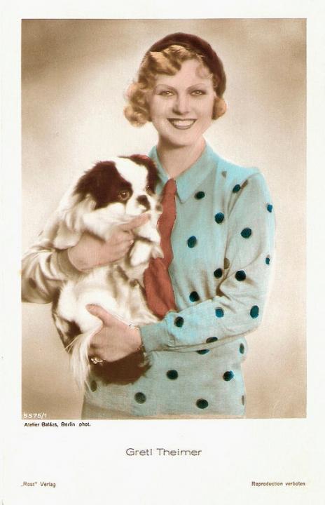 Německá pohlednice - Ross Verlag, no. 5575/1, 1930-1931. Foto: Atelier Balázs.