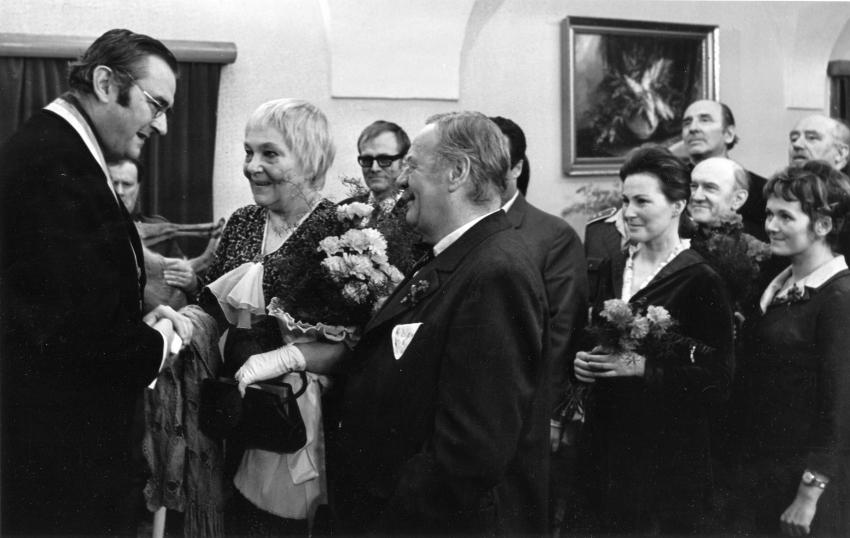 Jiří Sovák, Jiřina Šejbalová, Radovan Lukavský, Bohuš Záhorský, Marcela Martínková, František Filipovský, Zdena Hadrbolcová a Jan Vostrčil