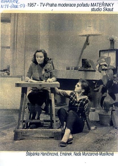 1957 TV moderace - Štěpánka Haničincová a Naďa Munzarová