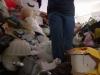 Po krk v odpadcích (2010) [TV seriál]