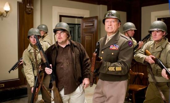 Bláznivá střela – Amerika v ohrožení (2008)