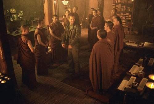 Neprůstřelný mnich (2003)