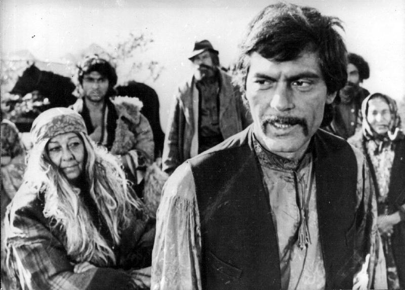 Cikáni jdou do nebe (1976)
