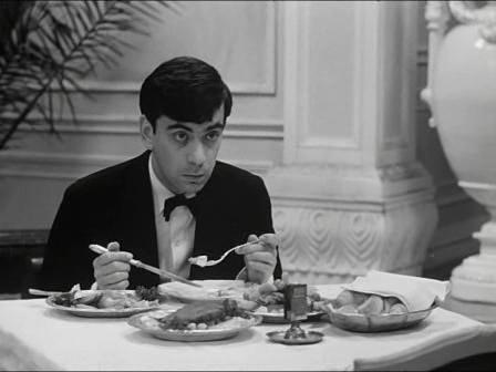 Hotel pro cizince (1966)