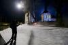 Z natáčení / Sníh / Poslední díl se odehrává o vánočním čase. Jelikož současné zimy záběrům s bílou krajinou příliš nepřejí, museli filmaři zasněžovat třiceti pytli umělého sněhu.