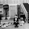 Chaplin se vrací z flámu (1916)