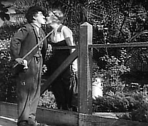 Chaplin lodním kuchařem (1915)