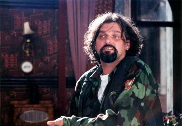 Válka živě (2000)