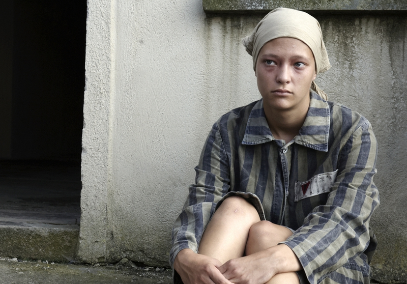 Natáčení v Terezíně - Dívka ve filmovém Revensbrucku