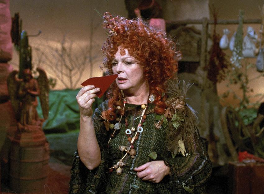 Lolinka a knírač (1998) [TV inscenace]