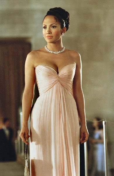 Ty růžové šaty si dost připomínají toto ... 648a935e13