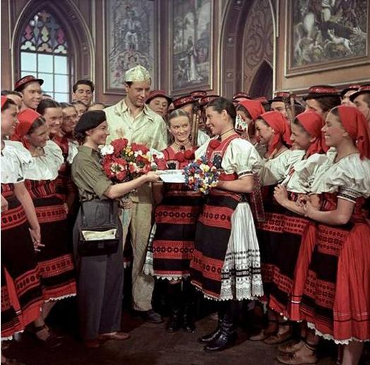 Rodná zem (1953)