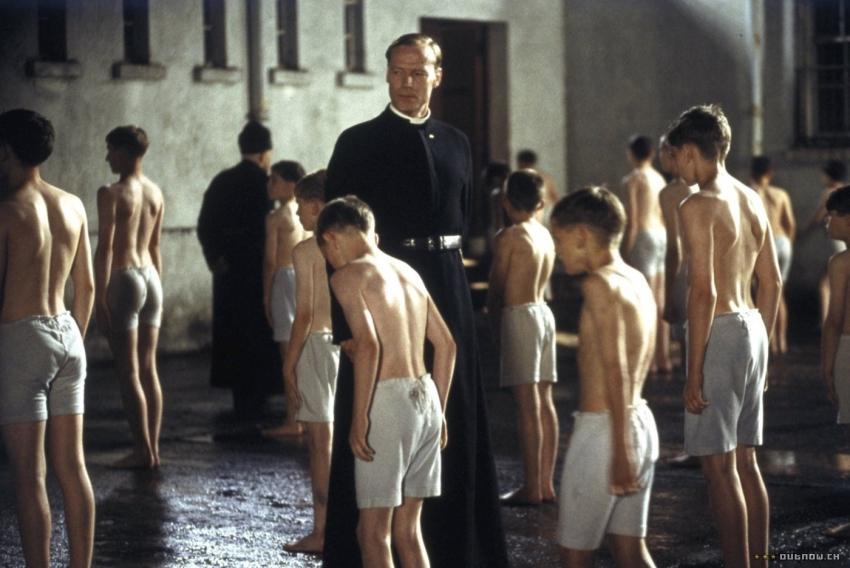 Píseň za chudého chlapce (2003)