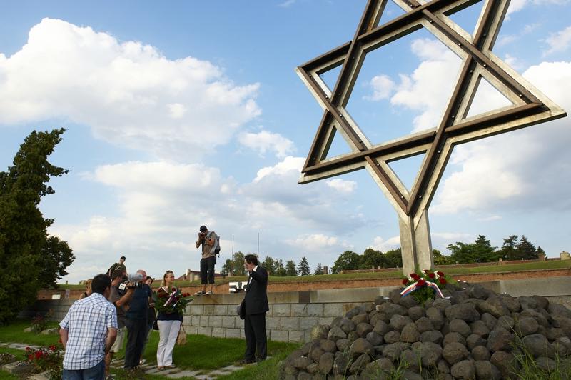 Natáčení v Terezíně - Památník obětem v Terezíně