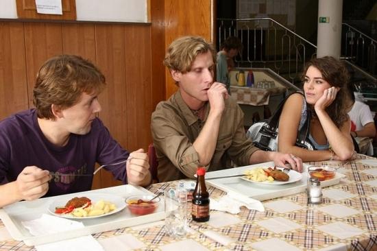 Bez tváře (2008) [TV film]