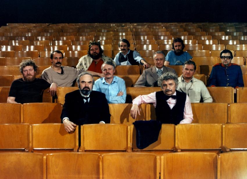 Jan Kašpar, Zdeněk Svěrák, Jan Hraběta, Petr Bruner, Jaroslav Weigel, Jaroslav Vozáb, Ladislav Smoljak a Miloň Čepelka