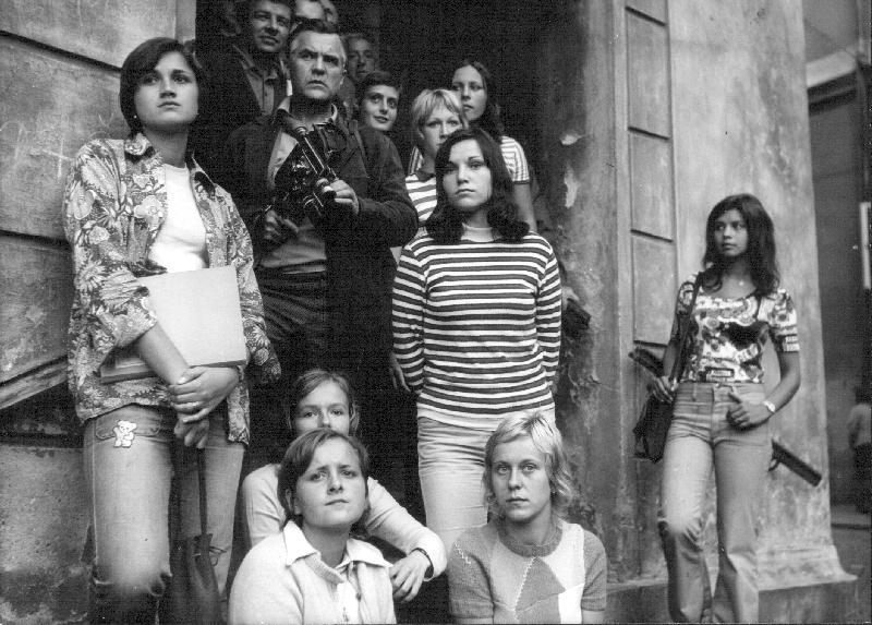 Tobě hrana zvonit nebude (1975)