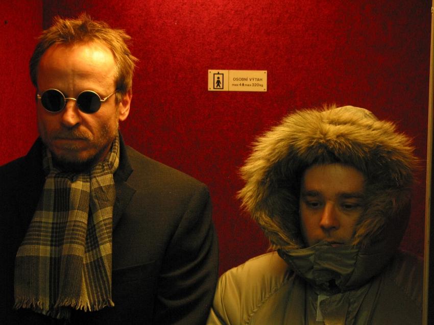 Sklapni a zastřel mě (2005)