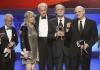 Herci ze seriálu M.A.S.H. v roce 2009: Allan Arbus, Loretta Swift, Mike Farrell, Burt Metcalfe a Alan Alda