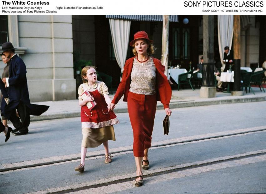 Bílá hraběnka (2005)