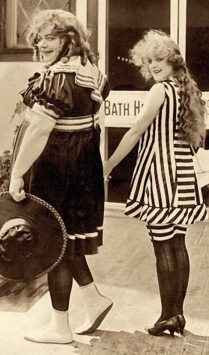 Fatty na pláži (1917)
