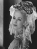 Anita Louise jako Maria Antoinette