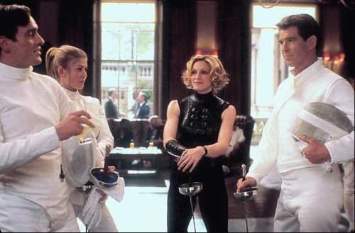 Dnes neumírej (2002)