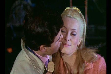 Paraplíčka ze Cherbourgu (1964)