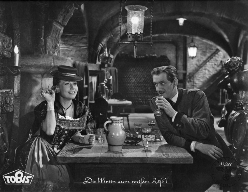Šenkýřka u Bílého koníčka (1942)