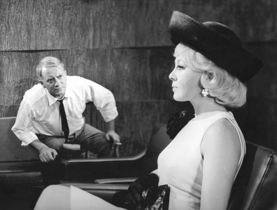 O půlnoci sklapne past (1966)
