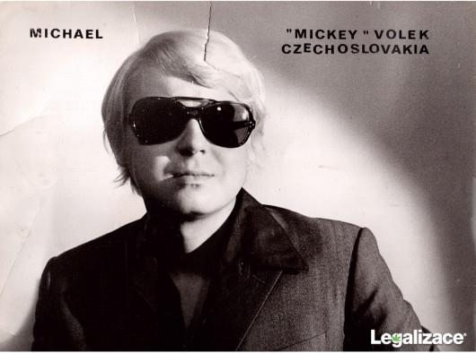 Nesmrtelný život a smrt Mikiho Volka - Rokenrolového krále (1997) [TV film]