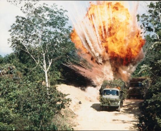 Air Force-BAT 21 (1988)
