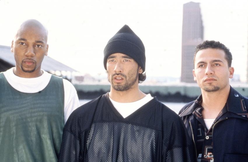Ve spárech Yakuzy (2000)