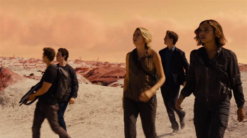 Divergent (2014) Full Movie - Genvideos
