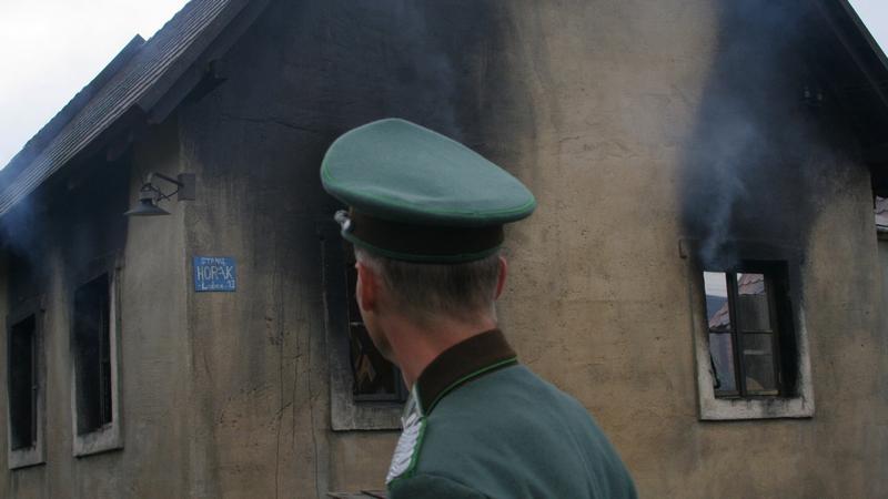 Vypálení Lidic - Kontrola vypalování domů