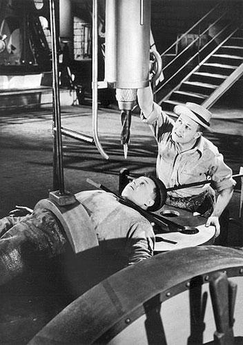Svět patří nám (1937)