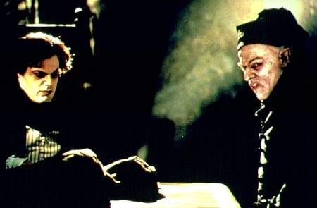 Ve stínu upíra (2000)