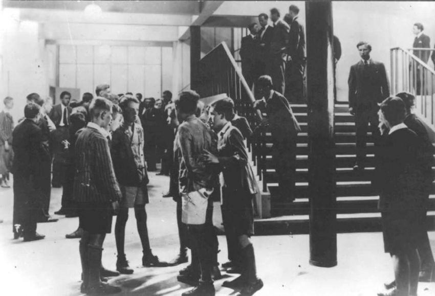 Před maturitou (1932)