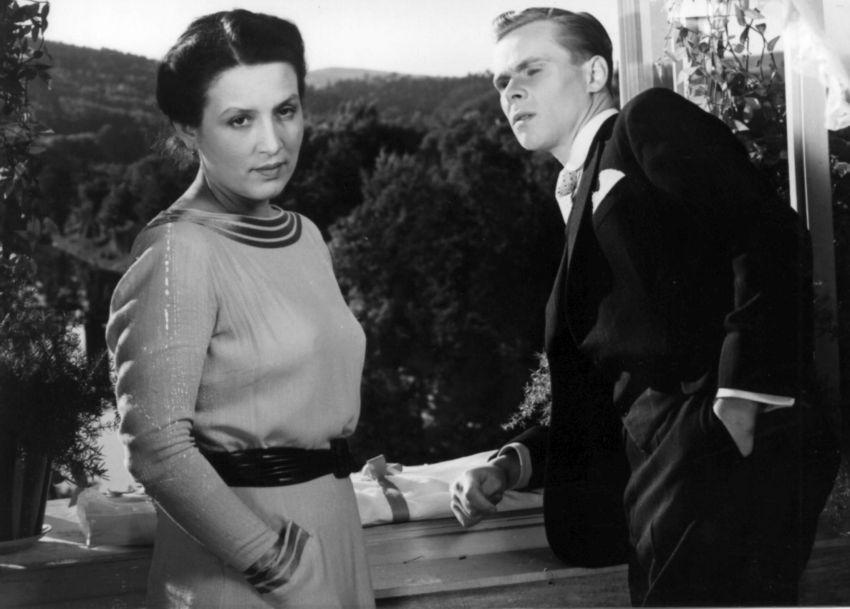 Měsíc nad řekou (1953)