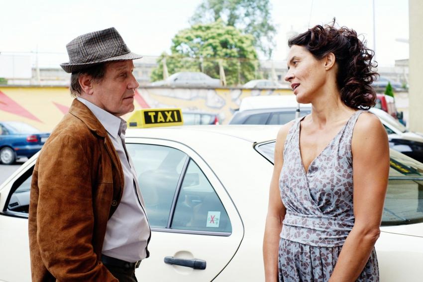 Láska za jiných okolností (2009) [TV film]
